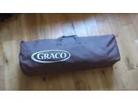 Graco Petite Bassinet with travel bag and sunshade