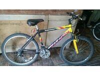 Saracen Rufftrax front suspension city bike