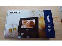 """Sony S-Frame Digital Photo Frame 7"""""""