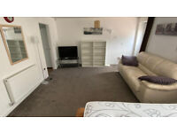 Monday to Friday Let - Ground floor Studio (I live in the property above) - Rent includes all bills