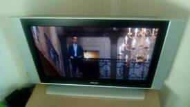 "37""philips tv with remote control"