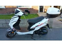 WK Go 50 49cc Moped - Very Good Condition - Includes Back Box