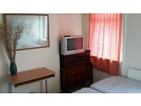 rent lovely double room f/furn,all inc no bills,couple ok,free wifi,parking,shorter term ok