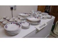 Royal Doulton 'Autumn's Glory' dinner service (62 items)