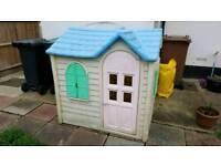 children play house