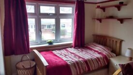 Room to rent in Chester sharing house with couple