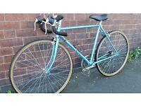 Medium Carlton Road Bike in Excellent Condition