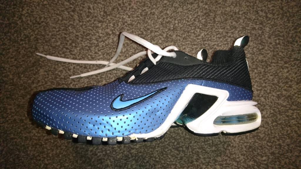 wholesale dealer 01484 5ed9f Nike Air Max Bohemian in gc size 4