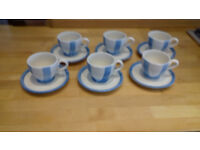 set of 6 cups and saucers - blue/white