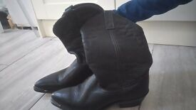 Black leather size 6 ladies cowboy boots