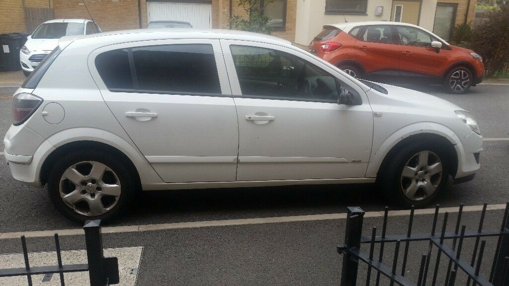 Vauxhall Astra Club A White Automatic Petrol Quick Sale ...