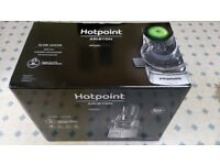 Hotpoint Slow Juicer (Ultimate Collection SJ 15XL UP0) – Chrome (by Hotpoint)