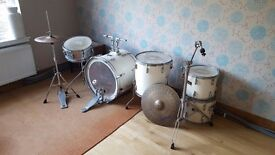 Pearl Export Series 5 piece drum kit in white with cymbals