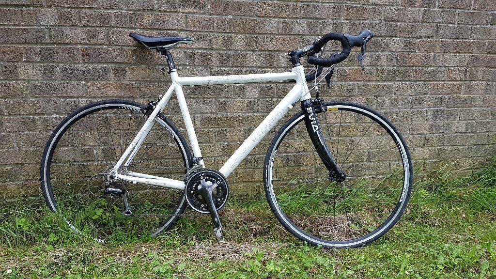Univega Road Bike For Sale Alloy Frame Carbon Forks 105 Shimano