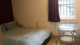 Short term( 1 month) Big Room near Seven Sisters Tube..