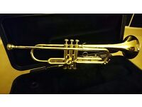 BACH 1530 Trumpet with Mouthpiece and Case. Excellent condition.
