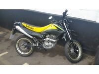 Suzuki dr 125 sm learner legal road legal 125cc motorbike