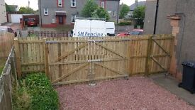 TIMBER FENCING SUPPLIED AND ERECTED PROFESSIONAL QUALITY AFFORDABLE PRICES