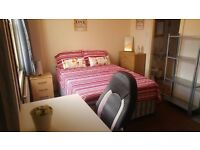 R) AWESOME DOUBLE ROOM MILE END ///// COUPLES FRIENDLY ** EAST LONDON IN ZONE 2