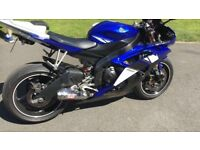 Yamaha R6 in blue