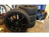 4 X Fox wheels