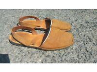 menorcan slip-on sandal size 5.eu38. beige