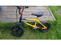 FREE child's bike toddler ages approx 3-5 needs attention
