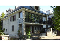 To sale beautiful house at 1:30 of Toulouse between Albi Rodez located on 1600m2 land in France