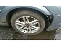 Vauxhall vectra 17 inch sri alloy wheels nearly new tyres
