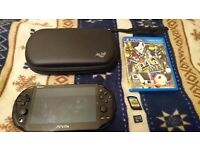 PS Vita 2000 - barely used, no scratches + travel case + screen protector + P4Golden + 16gb