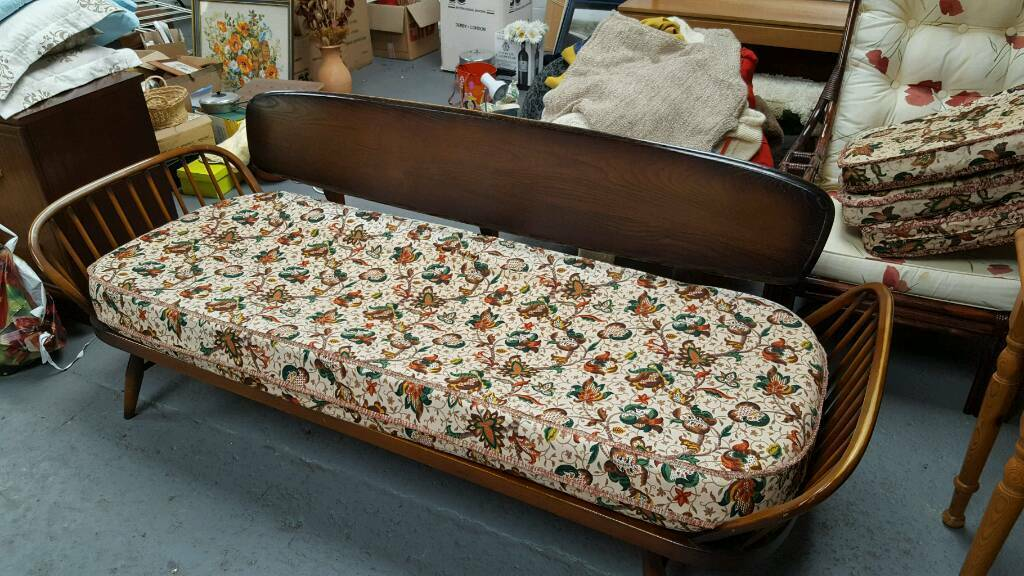 Ercol Studio Couch Sofa Daybed In Quedgeley