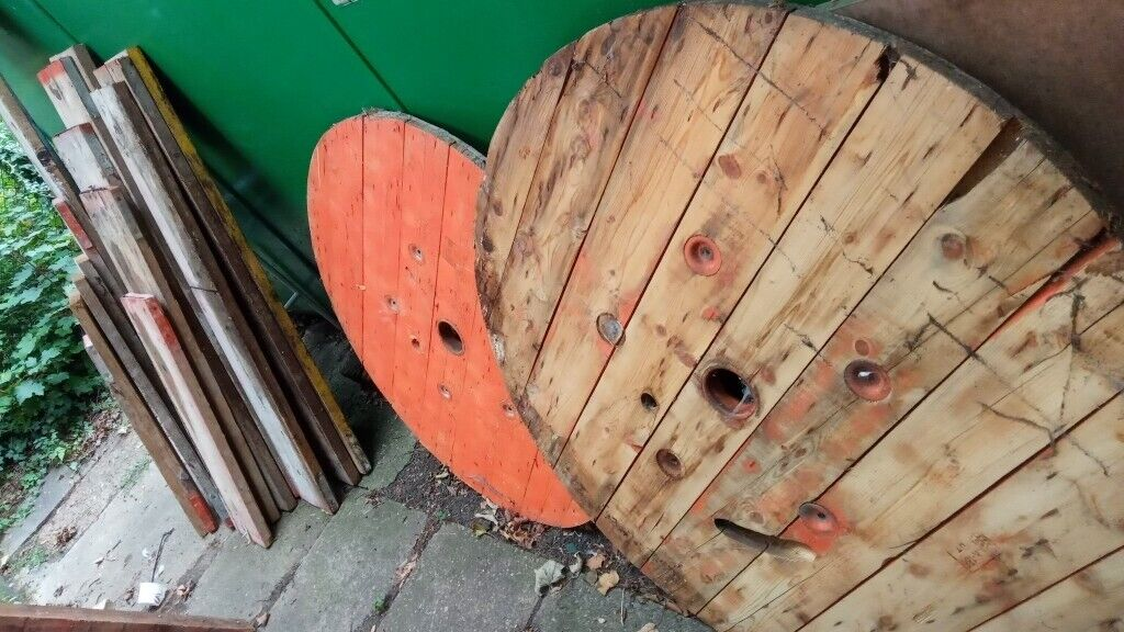 Scaffold Boards And Cable Spools For Free In Kingston London