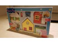 Peppa pig holiday village playset brand new in box