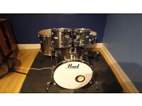 """Pearl Forum FZ 22"""" fusion drum kit in Smokey Chrome (Shell Pack)"""
