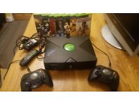 xbox console original - With 7 Games.