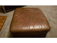Brown Poufe for quick sale