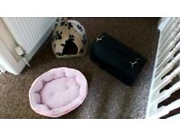 PETS BEDS AND CARRIER