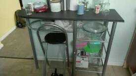 Breakfast kitchen bar/table with 2 stools