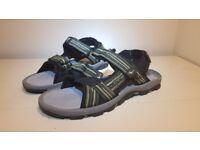 Gola AMP124 Mens sandals, UK 10 / EU 44 - Unused - Perfect condition
