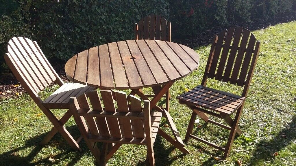 Garden Furniture Set Small Round Table And Four Fold Up Chairs In Banbury Oxfordshire Gumtree
