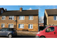 2 bed redecorated flat in Earlsdon CV5 with paved garden