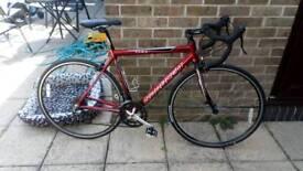 Saracen tour 1 road bike