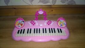 Disney Princess Electronic Keyboard, fully working condition