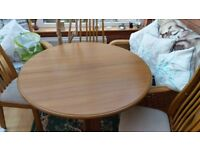 Expendable Diningroom table & chairs for sale