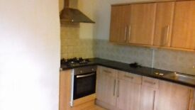 BIRKBY – VERY LARGE IMMACULATE 1 BED REAR TERRACE WITH PRIVATE GARDEN NR SHOPS AVAILABLE NOW
