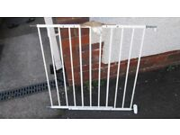 Adjustable fixed stair gate