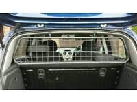 Travall Dog Guard for Ford Focus 5 door hatchback 2005-2007