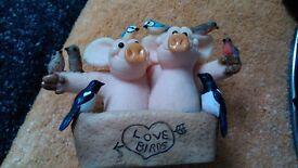 'Piggin' love birds' ornament