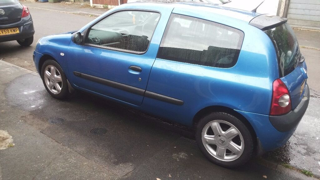 spares or repairs 2001 renault clio mk2 1 2 16v in farnborough hampshire gumtree. Black Bedroom Furniture Sets. Home Design Ideas
