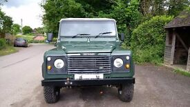 Land Rover Defender 90 Automatic 300 TDI